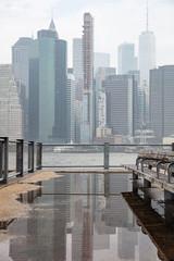 Fotomurales - Manhattan skyscrapers, New York city skyline, cloudy spring day