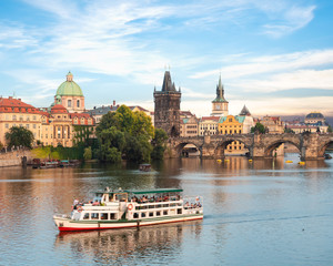 Fototapete - Touristic boat in Prague