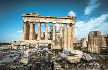 Fototapete - Parthenon on the Acropolis of Athens, Greece. Ancient Greek Parthenon is a top landmark of Athens. Dramatic view of remains of the antique Athens city. Panorama of the famous temple ruins in summer.