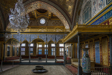 The luxurious and beautifully decorated Throne Room of Topkapi Palace harem, Istanbul, Turkey