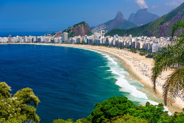 Fotomurales - Copacabana beach in Rio de Janeiro, Brazil. Copacabana beach is the most famous beach of Rio de Janeiro, Brazil