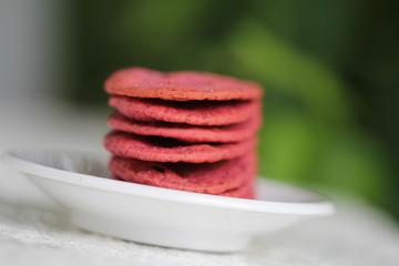 rote bete cracker aus dinkelmehl