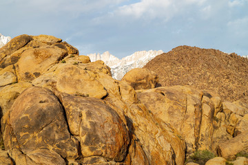desert rock formations Alabama Hills Sierra Nevada mountains