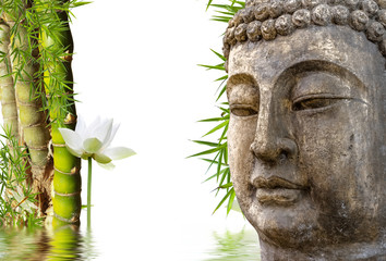 Statue de bouddha, bambous et lotus aquatique