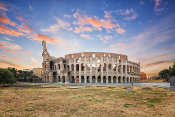 Wall Mural - Coliseum or Flavian Amphitheatre (Amphitheatrum Flavium or Colosseo), Rome, Italy.