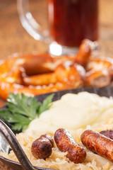 Nürnberger Würstchen mit Sauerkraut