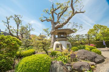 Der Suraku-en Garten in Kobe mit vielen Azaleen