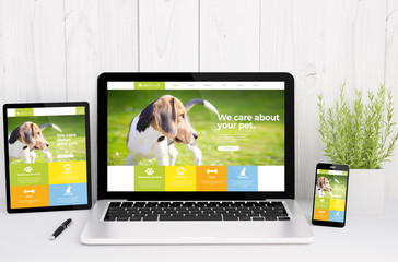 Wall Mural - devices on table with responsive pet design
