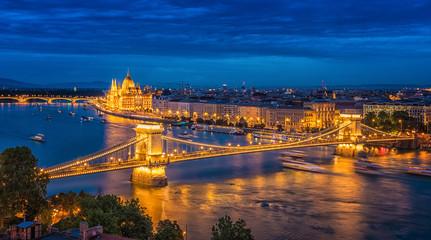 Keuken foto achterwand Boedapest Panorama of Budapest at night. Hungarian landmarks.
