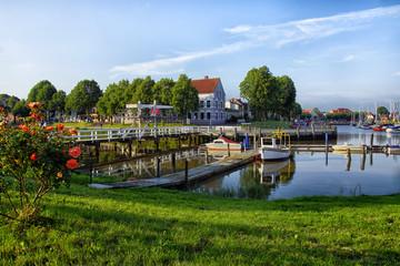 Hafen von Tönning mit Klappbrücke