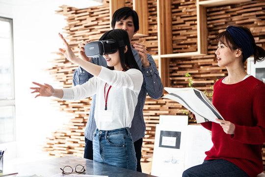 VR映像の製作をしている若手クリエイター達