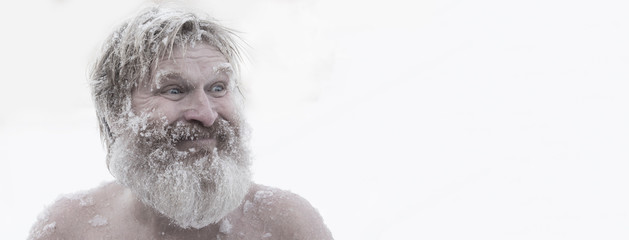 Obraz Bearded man, after bathing in the snow - fototapety do salonu