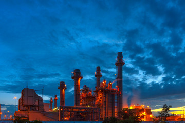Fotobehang Industrial geb. Petrochemical plant at sunset, Twilight In the industrial area Eastern Thailand.