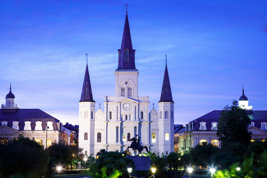 New Orleans, Louisiana, USA: Jackson Square, the heart of the French Quarter, with the with the St. Louis Cathedral in the background.