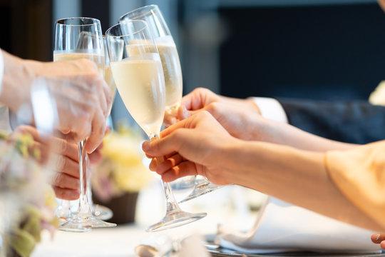 パーティー 乾杯