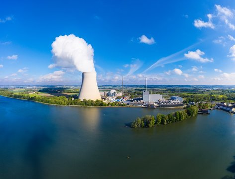 Isar I and Isar II nuclear power plant at Niederaichbach reservoir, Isar near Landshut, Lower Bavaria, Bavaria, Germany, Europe