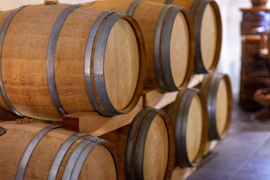 ワイン 樽 山梨 フランス ドイツ 名酒 ワインラリー ボトル グラス 新鮮 陳年 歴史 有名