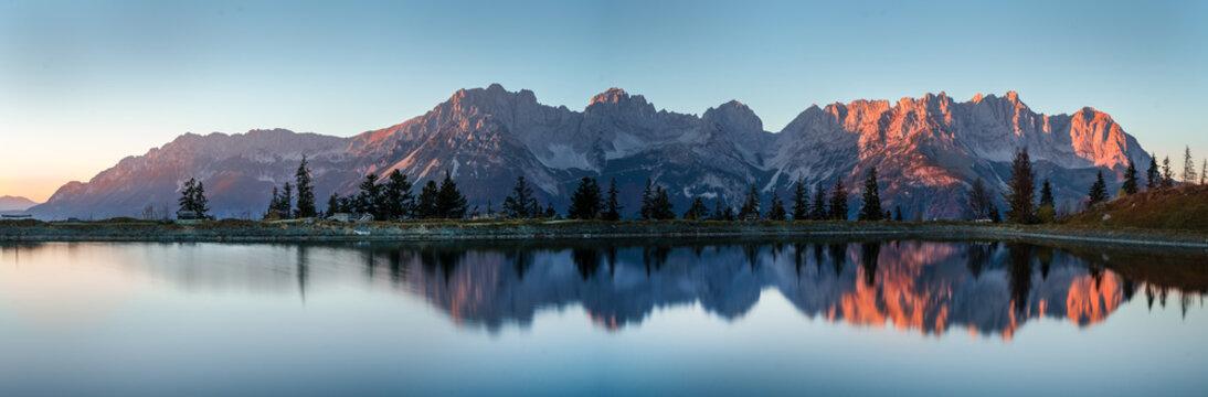 Wilder Kaiser im See Panorama