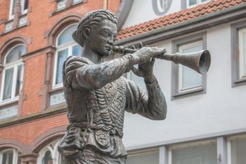 Pied Piper Statue (Rattenfängerstatue) Pied Piper of Hamelin (Rattenfänger von Hameln) Fountain Hameln Lower Saxony (Niedersachsen)