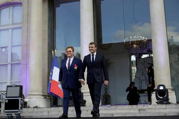 Macron meets Elton John