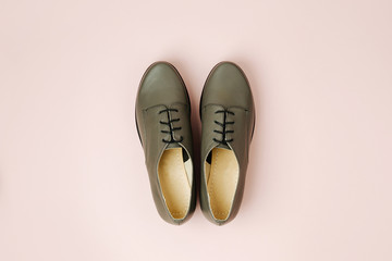 Wall Mural - Stylish female spring or autumn shoes in various colors. Beauty and fashion concept. Flat lay, top view