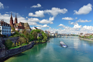 Old town with Basler Muenster Cathedral on the banks of the Rhine river. Basel, Switzerland. Fototapete