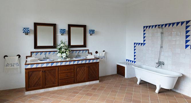 Bathroom in Spanish style