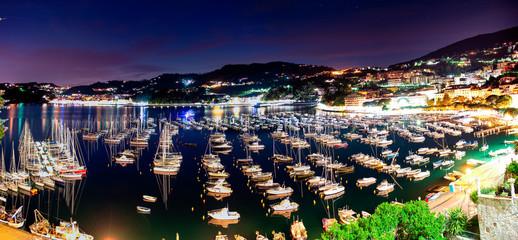 Il porto di Lerici in notturna
