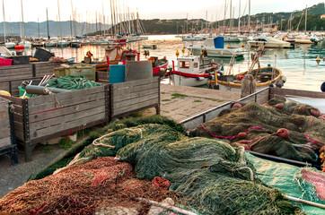 Rete di pescatori in porto