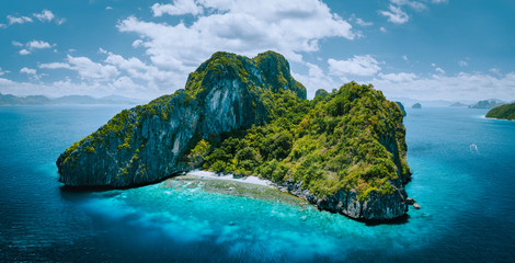 Printed roller blinds Island Aerial drone panorama picture of tropical paradise epic Entalula Island. Karst limestone rocky mountains surrounds the blue lagoon with beautiful coral reef