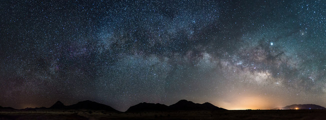 Foto op Aluminium Grijze traf. Pano of the Milky way in Arizona