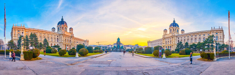 Photo sur Plexiglas Vienne Panorama of Maria Theresien Platz in Vienna, Austria