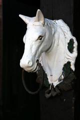 Alter Pferdekopf aus Gußeisen