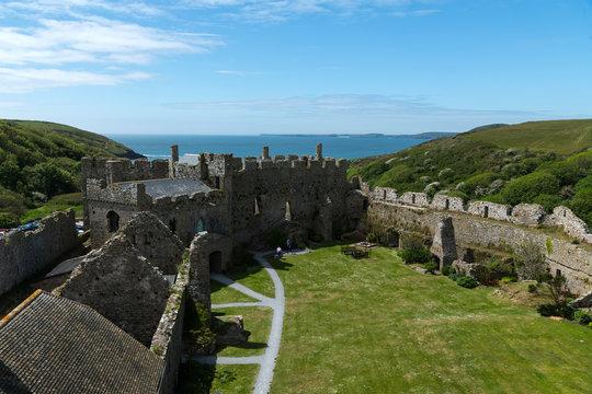 Manorbier Burg-Schloss und gleichnamiger Strand, Wales, großbritannien