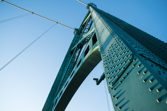 Lions Gate Bridge provides vital link between Downtown and North Vancouver.
