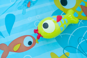 Bottom inflatable pool for children with fish