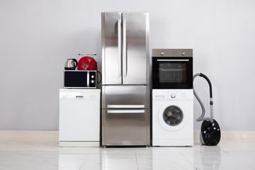Obraz Home Electronic Appliances On Floor - fototapety do salonu
