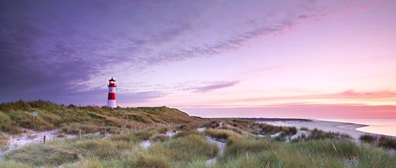 Wall Mural - Strand auf Sylt mit Leuchtturm