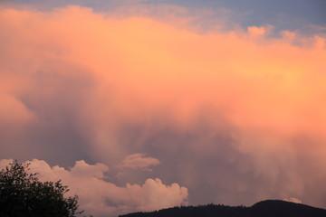 farbige Wolken als Hintergrund
