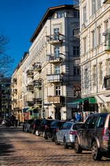 Fotomurales - sanierte altbauten am helmholtzplatz in berlin, deutschland