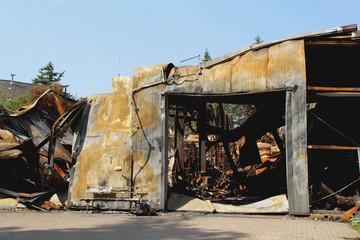 Brandschaden abgebrannte Lagerhalle