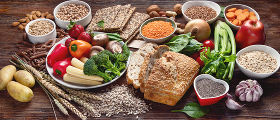 Healthy natural ingredients  containing  dietary fiber.