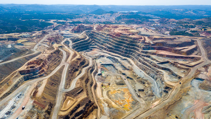 This mine is located in Riotinto, Huelva, Spain. This area along the Rio Tinto, in the Andalusian, Spain has been mined for copper, silver, gold, and other minerals. Fototapete