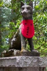 三峰神社の狛犬像