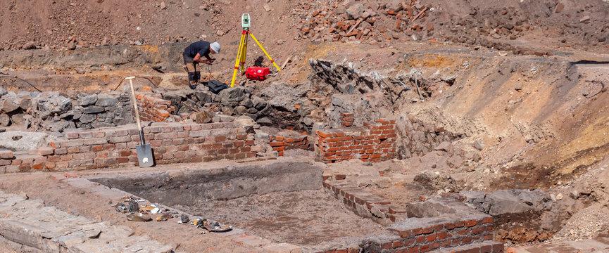 Panorama Historische Ausgrabungen Mauerruine