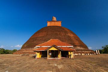 Fotomurales - Jetavanaramaya dagoba in Anuradhapura, Sri lanka.