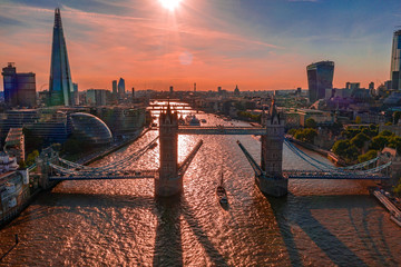 Arial view of London with the River Thames floating through the city near the Tower Bridge, London City and Westminster Abbey. Fototapete