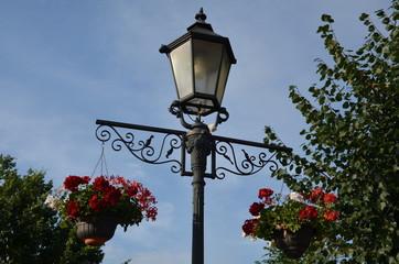 Fototapeta lampa, iskra, ulica, niebo, lampion, blękit, maszt, oświetlenie, stary, latarnia uliczna, latarnia uliczna, kajdany, architektura, antyczne, dopełnienie, lampa, czarna, iluminacja, bulwa, glases, meta obraz