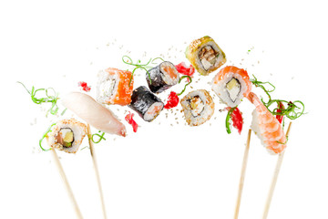 Papiers peints Sushi bar Seamless pattern with sushi. Food abstract background. Flying sushi, sashimi and rolls isolated on the white background.