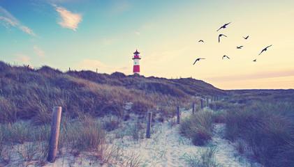 Leuchtturm, Dünen und Meer
